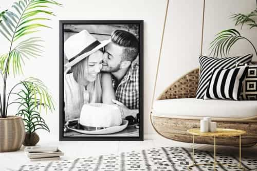 Canvas print with floating frame
